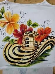 Resultado de imagen para camisetas de carnaval pintadas a mano Dress Painting, Fabric Painting, San Jacinto, Fancy Hats, Rangoli Designs, Jewellery Display, Hand Embroidery, Diy And Crafts, Drawings