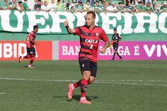 Blog Esportivo do Suíço:  Vitória mata o jogo no primeiro tempo e goleia Chapecoense na Arena Condá