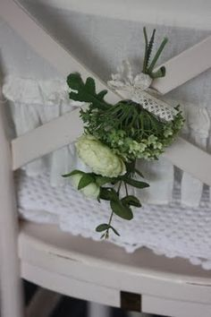 chairflowers   www.24Homes.blogspot.com