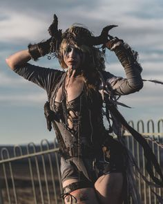Wasteland Weekend Crazy Faces, Costumes And Vehicles Of The World's Biggest Post-Apocalyptic Desert Festival Post Apocalyptic Girl, Post Apocalyptic Costume, Apocalyptic Clothing, Apocalypse World, Apocalypse Art, Apocalypse Character, Apocalypse Survival, Wasteland Warrior, Viking Warrior