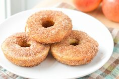 Apple Cider Donuts great for breakfast or dessert! The mild apple flavor pairs perfectly with the cinnamon sugar topping. Best Dessert Recipes, Desert Recipes, Apple Recipes, Cupcake Recipes, Breakfast Recipes, Bon Dessert, Dessert Drinks, Macarons, Powdered Donuts