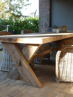 Patio And Outdoor Furniture Ideas And Types – The Homeward View Wooden Table Diy, Wooden Garden Table, Diy Table, Outdoor Tables, Patio Table, Outdoor Dining, Outdoor Decor, Diy Outdoor Furniture, Diy Holz