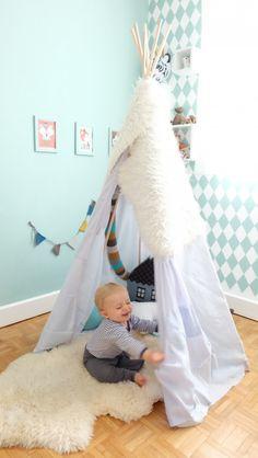 tipi pour une chambre d 39 enfant inspiration blog d co clematc chambre des enfants chambre. Black Bedroom Furniture Sets. Home Design Ideas