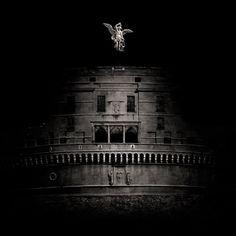 Ogni giorno per una settimana vi mostriamo in anteprima gli scatti dei grandi fotografi che dal 23 novembre saranno in mostra a Lucca. Ecco le città in