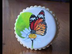 Mariposa pintada sobre galleta. Información: latallereria.com/ Inscripciones: latallereria.bigcartel.com/