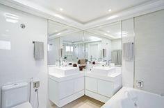 Banheiro Casal : Banheiros modernos por Patrícia Azoni Arquitetura + Arte