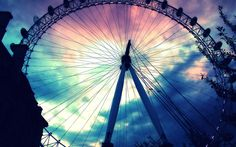 Wheel Of Fortune 🎇 Pictureoftheday W Wheel - DIY & Crafts Tumblr Hipster, Screensaver Pictures, Farris Wheel, Fair Rides, Roller Coaster Ride, Pretty Backgrounds, Iphone Backgrounds, Photoshop, Wheel Of Fortune