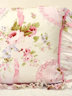 I love flowers. This floral fabric is lovely. Shabby Chic Pillows, Shabby Chic Fabric, Shabby Chic Style, Shabby Chic Decor, Rose Cottage, Shabby Chic Cottage, Shabby Chic Homes, Cottage Style, Linens And Lace