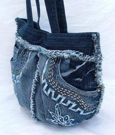 .Love the detail on this denim purse