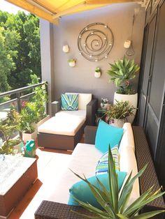 Colourful outdoor terrace - Cheryl Singleton Interiors