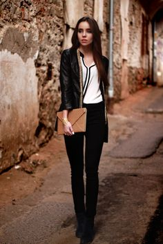 #black&white #street #style #fashion #blogger #laurinstyle