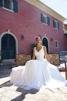 """Αέρινα νυφικά : """"d.sign by Dimitris Katselis"""" real bride"""" . Νυφικό από μεταξωτή μουσελίνα και τούλι. Bridal, Wedding Dresses, Lady, Fashion, Bride Dresses, Moda, Bridal Gowns, Bride, Wedding Dressses"""
