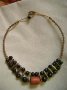 collares con semillas y piedras - Buscar con Google Sea Beans, Jewelry Making, Jewels, Bracelets, Necklaces, Chain, Beads, Crafts, Jewellery