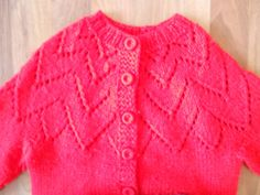 Vintage bright red handknit button sweater // by theoandthefox