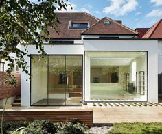 An extensive redevelopment of an Edwardian semi-detached house in north London re-ordering the rooms and extending the house to the rear. It is the work of Robert Hirschfield.  Photography credit: Matt Clayton @mattclaytonphoto