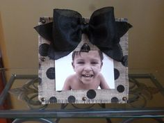 Polka Dot Burlap Picture Frame with Bow by CreoDesignsForYou Burlap Picture Frames, Picture Frame Projects, Burlap Pictures, Crafts With Pictures, Cute Frames, Old Frames, Burlap Fabric, Burlap Bows, Burlap Crafts