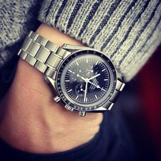 Forget Speedy Tuesday, this classic looks great anytime #omega #speedmaster #moonwatch #wristcandy #passionforwatches