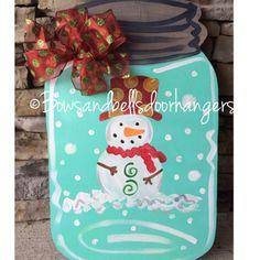 Snowglobe mason jar Christmas door hanger by BowsandBellsHangers