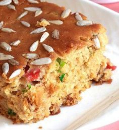 This recipe for Sunflower Cornbread is sure to quickly become a favorite. If you've never made your own cornbread before, make some as soon as possible. Gluten Free Bread Recipe Easy, Gluten Free Recipes For Dinner, Foods With Gluten, Gluten Free Desserts, Dairy Free Recipes, Bread Recipes, Vegan Recipes, Vegan Cornbread, Gluten Free Cornbread