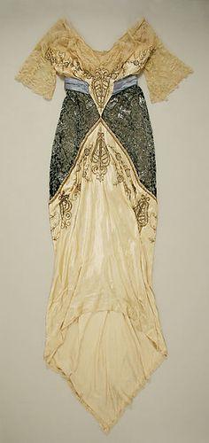 Evening dress Date: ca. 1914 Culture: American Medium: silk Dimensions: Length at CB: 92 in. (233.7 cm) Credit Line: Gift of Mrs. Edwin Stewart Wheeler, 1956