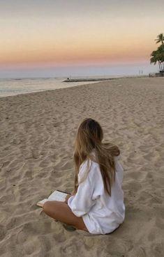Beach Aesthetic, Summer Aesthetic, Aesthetic Photo, Summer Pictures, Beach Pictures, Surfing Pictures, Vacation Pictures, Summer Dream, Summer Girls