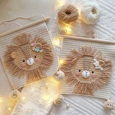 Crochet Wall Art, Crochet Wall Hangings, Crochet Home Decor, Tapestry Crochet, Cute Crochet, Crochet Dolls, Crochet Stitches, Crochet Patterns, Baby Mobile