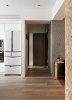 46 Popular Kid Friendly Apartment Design Ideas - Choosing between living in an apartment and owning a house is what many folks consider these days. Both have their advantages and disadvantages, but i. Urban Apartment, Minimalist Apartment, Apartment Interior, Apartment Design, Apartment Kitchen, Light Hardwood Floors, Timber Flooring, Suburban House, Interior Design Website