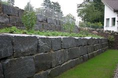 Dry-Stacked stone wall - large stone