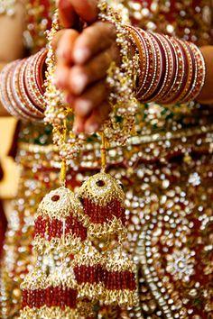 30 Ideas For Indian Bridal Chura Sikh Wedding Sikh Wedding, Punjabi Wedding, Indian Wedding Outfits, Farm Wedding, Wedding Couples, Boho Wedding, Wedding Reception, Wedding Ideas, South Indian Weddings