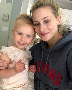 Lili e sua afilhada Addy são as coisas mais lindas!! 💖