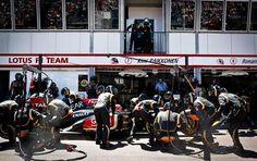 Pit stop with two extra crew members... #Daftunk #MonacoGP #Raikkonen