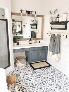 A DIY Bathroom Makeover Floors . - A DIY bathroom makeover floors … – - Bad Inspiration, Bathroom Inspiration, Painting Inspiration, Big Living Rooms, Interior Minimalista, Design Minimalista, Amazing Bathrooms, Master Bathrooms, Bathrooms Decor