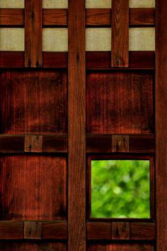 Entrance door of Honpo-ji temple, Kyoto, Japan 本法寺 京都