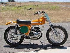 Montesa 1969 cappra five Kenny Roberts replica. The Cappra motor was also installed in the first Richman which made that bike the fastest motocrosser in . Bobber, Scrambler Motorcycle, Suzuki Motocross, Motorcycle Art, Vintage Bikes, Vintage Motorcycles, Cars Motorcycles, Retro Bikes, Flat Track Motorcycle