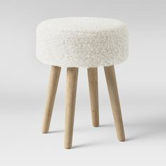 sherpa stool! so cut