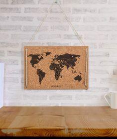 Los cuadros con corcho están hechos con materiales 100% procedentes de bosques sostenibles y están realizados de forma artesanal.