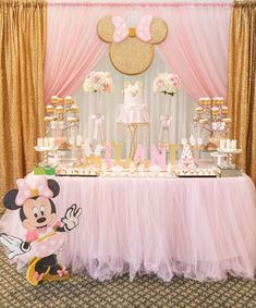 💕Beautiful Once upon a Time Birthday Theme. Decor and treats by Photos by Beautiful hall and… Minnie Mouse Birthday Decorations, Minnie Mouse Theme Party, Minnie Mouse First Birthday, Minnie Mouse Baby Shower, Minnie Mouse Pink, Mickey Mouse Birthday, Minnie Mouse Favors, Minnie Golden, Festa Mickey Baby