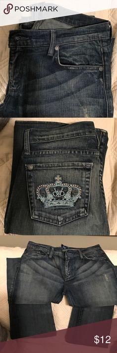 Victorian Beckham jeans boot leg Jeans are very rare(designed by Victoria Beckham for rock and republic before the company sold out to kohl's) They have Swarovski crystals embed din crown design on back of the pockets. Style is Madrid in good condition.and all distressing is factory distressing.  I purchased from someone on this web sight but the jeans didn't fit me   33 inseam. Victoria Beckham Jeans Boot Cut