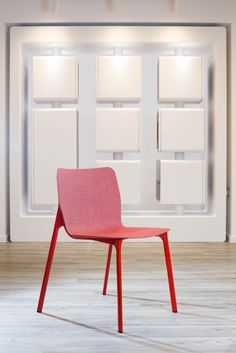 CHASSIS multipurpose chair | Design: Stefan Diez | Innovative. Multi-purpose. Appealing. | By Wilkhahn | #chassis | #london