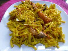 Fideua de marisco fácil Ver receta: http://www.mis-recetas.org/recetas/show/69771-fideua-de-marisco-facil
