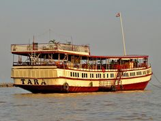 The Compleat Traveller: Tonlé Sap Lake, Cambodia