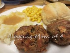 Mini Meatloaf Using Muffin Tins  http://bloggingmomof4.com/mini-meatloaf/