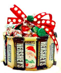 Holiday candy bar cupcake is the perfect sized candy gift for the season.