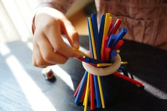 サイコロ振ってカラフルな棒を抜く!「スティッキー」が楽しい! #子供と一緒にボードゲーム | タムカイズム