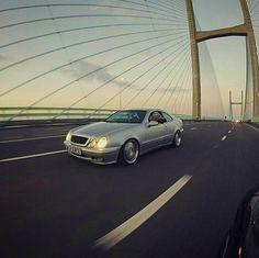 430 個讚,2 則留言 - Instagram 上的 CLK Drivers(@clk_drivers):「 Rolling shot! #MercedesBenz #CLK #Mercedes #Benz #CLK230 #Kompressor #MercedesBenzCLK230… 」