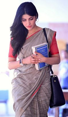 Beautiful and gorgeous bollywood actress: South Indian actress most beautiful and charming (shruti Hassan) HD quality images Most Beautiful Indian Actress, Beautiful Actresses, Hot Actresses, Shruti Hassan Saree, Indian Dresses, Indian Outfits, Saree Dress, Sari, Prity Girl