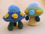 Little Beaming UFO/spaceship combo by crochetdeb ~ pattern available-click pic!
