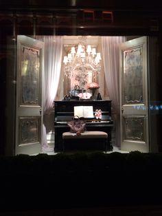 Ralph Lauren London...dressing room scene?