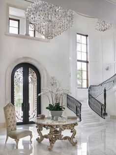 White Marble Entry Manhattan. #furniture #Design #Home See more at http://memoir.pt/