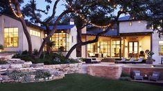 Home Tour: Tasteful and Timeless in Austin// landscape design, string lights, modern pool Backyard Covered Patios, Backyard Patio, Backyard Landscaping, Landscaping Ideas, Spanish Landscaping, Patio Wall, Interior Exterior, Exterior Design, Wall Exterior